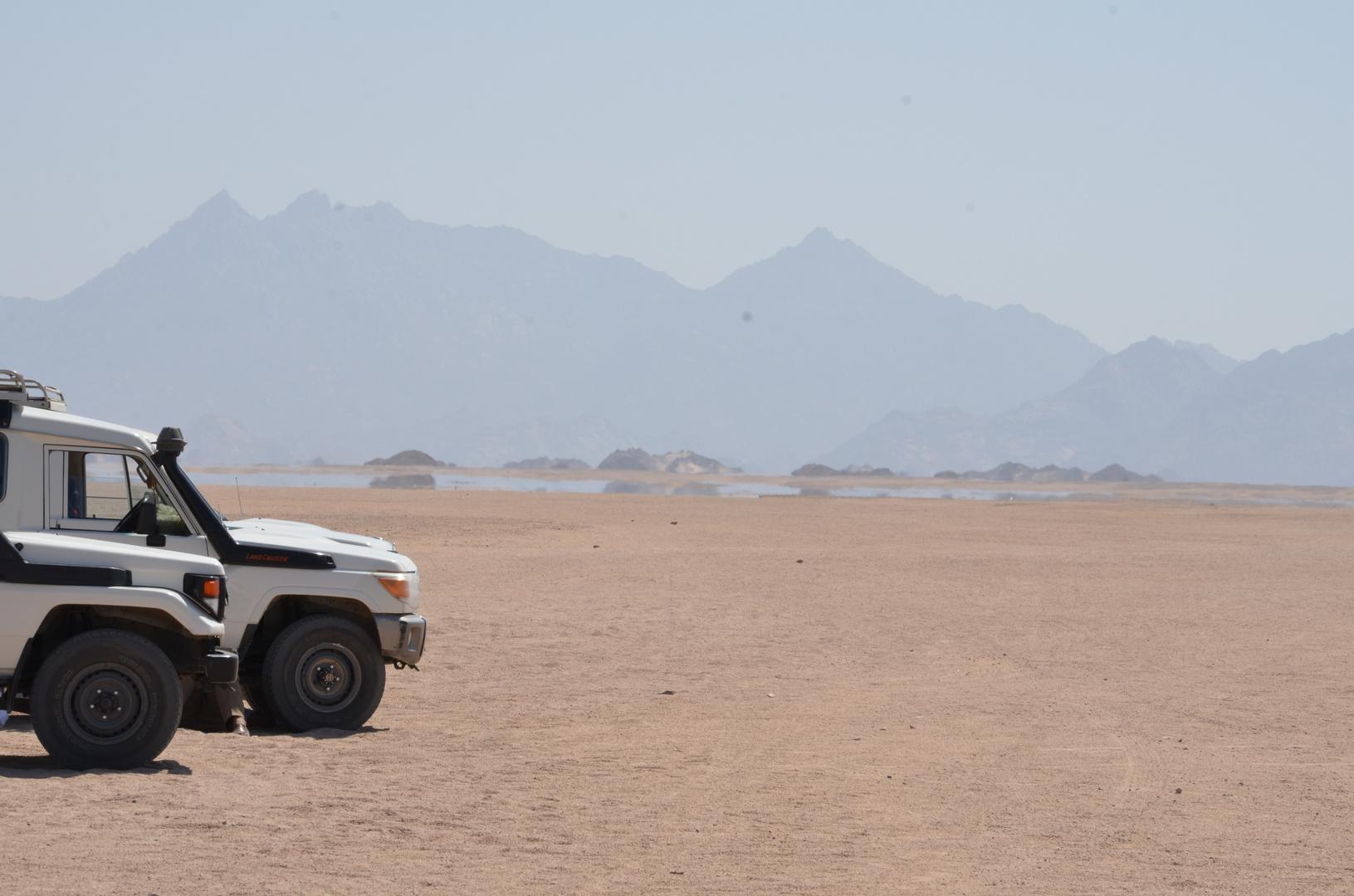 Fata Morgana in der Wüste Hurghadas.