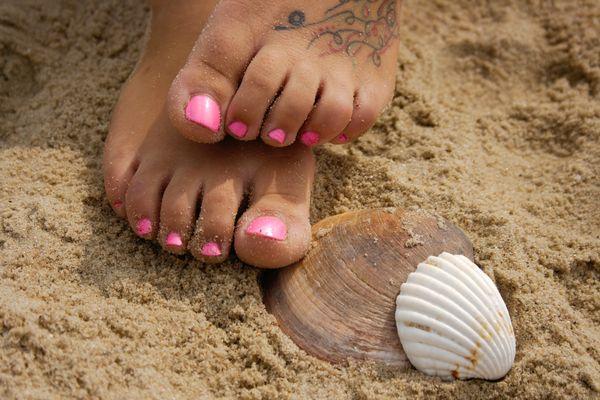 Feet in a shell...