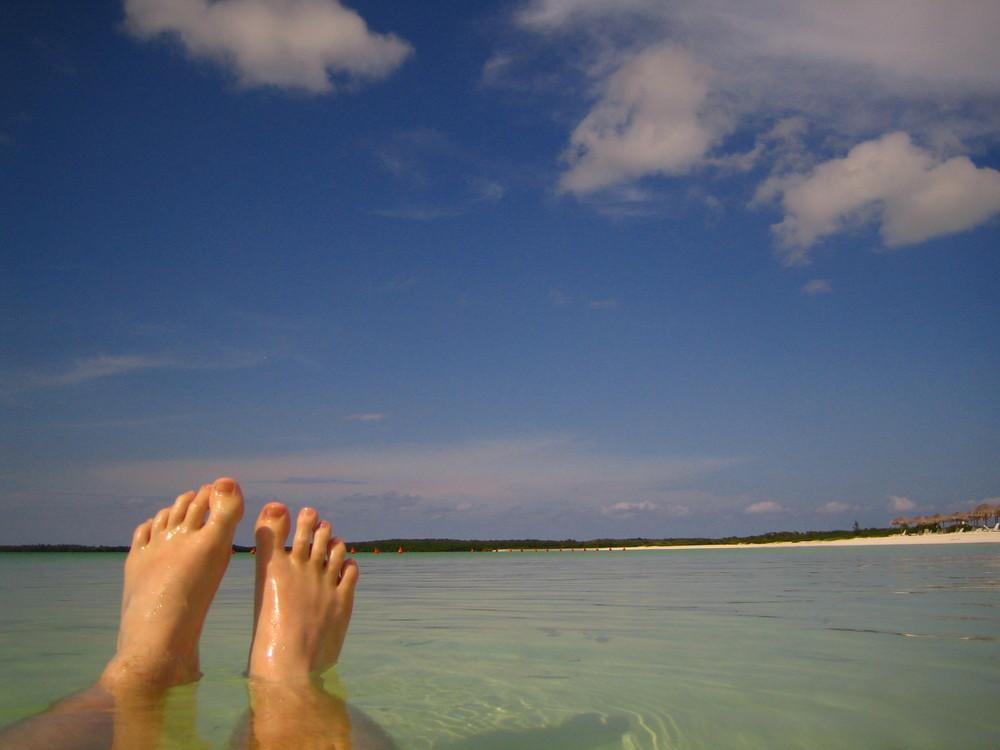 Feet meets Beach