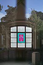Feierhallen-Fenster (Spiegelungen)