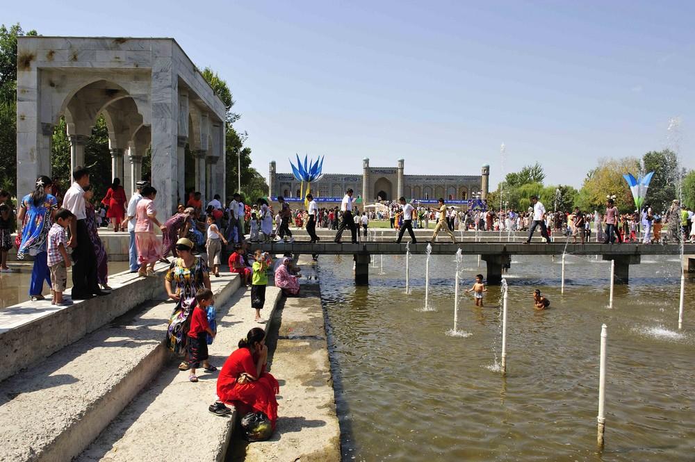 Feiertag vor dem Palast des Emirs von Kokand