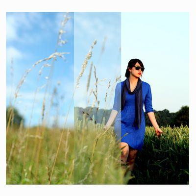 Feld + blaues Kleid + Jessi = coole Mischung