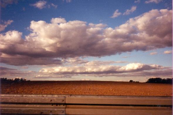 Feld - Horizont - Wolken