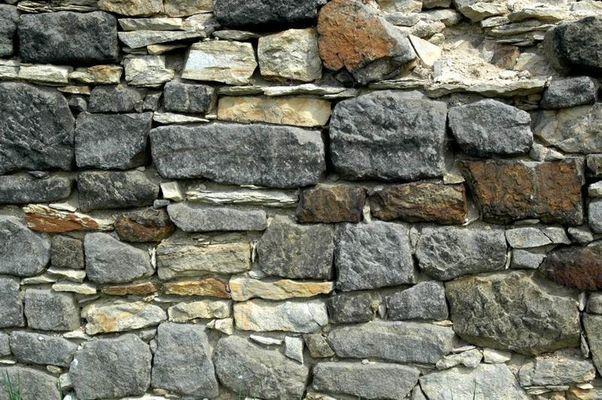 Feldsteinmauer - Gut Gamig