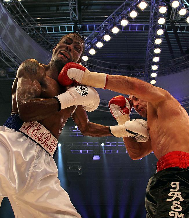 Felix Sturm vs Ronald Hearns 19.2.2011