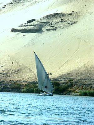 felouque Egyptienne aubord du Nil