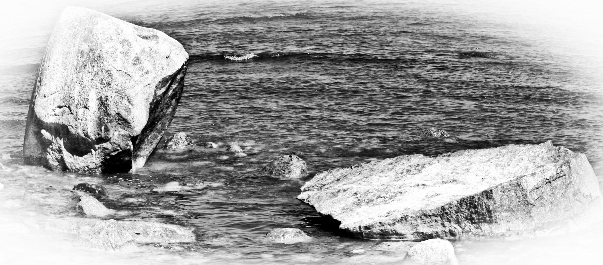 Fels im Meer