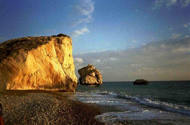Felsen der Aphrodite schon fast im Abendlicht