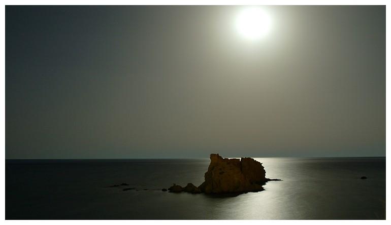 Felsen im Meer - Night