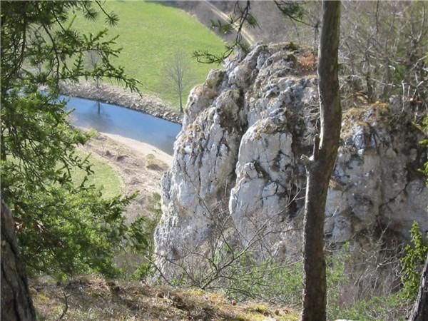 Felsen über der  Donau