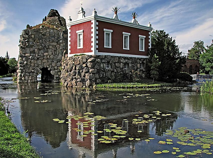 Felseninsel Stein mit Villa Hamilton