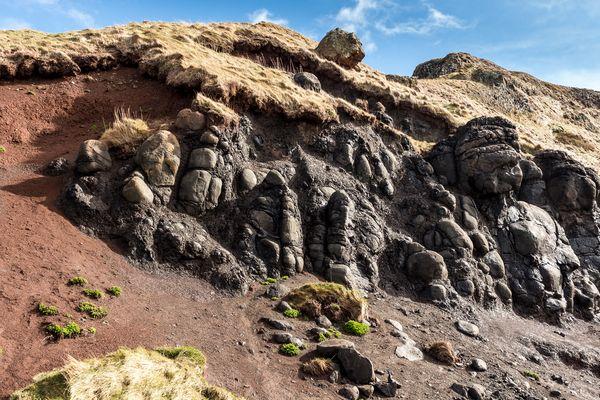 Felswand am Giant's Causeway.