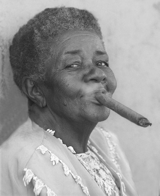 Femme au cigare 1