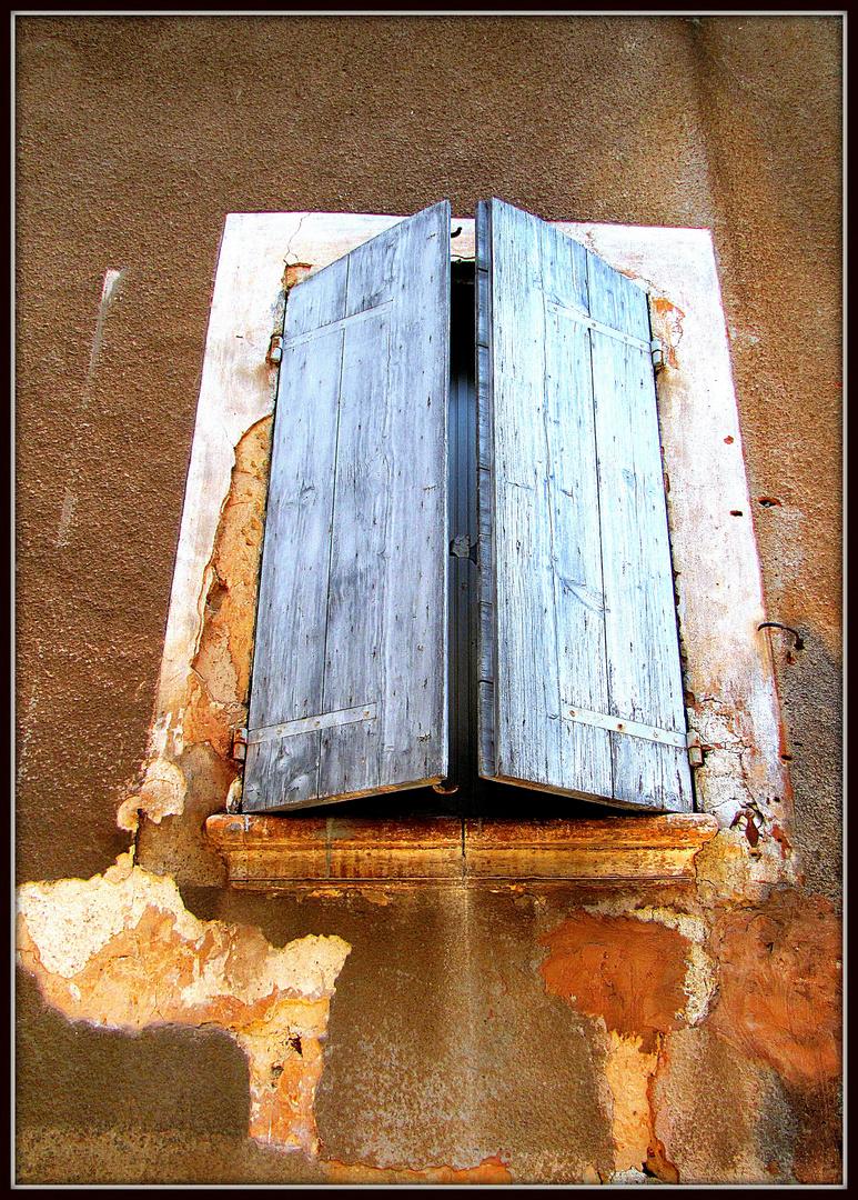 Fenster der Provence 9