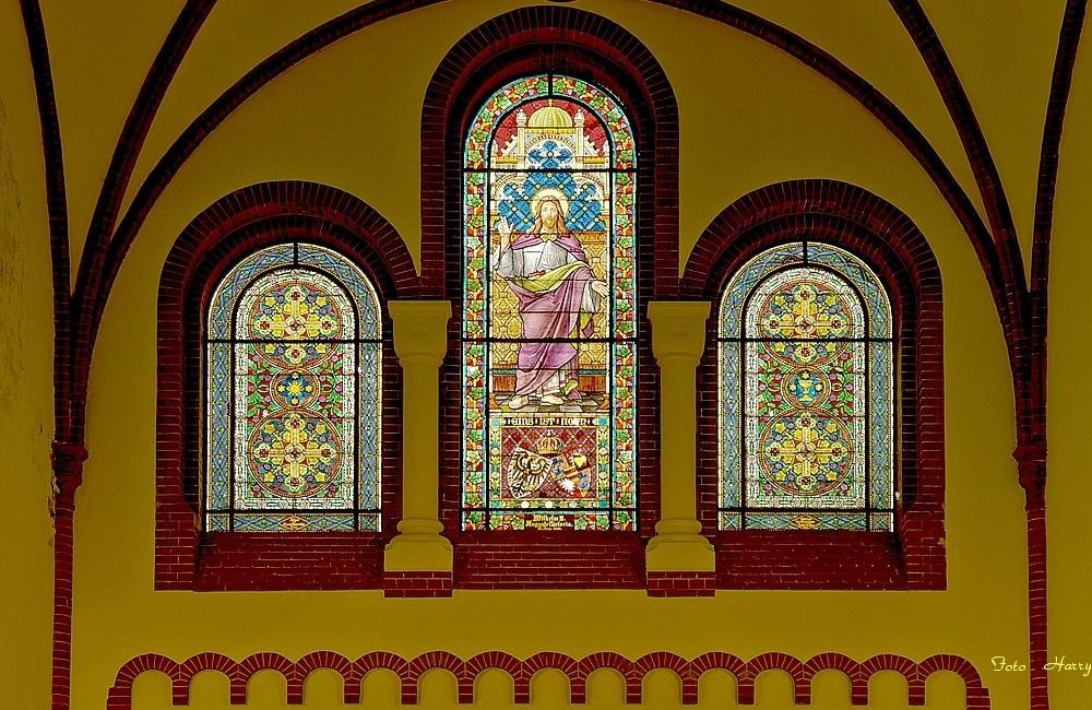 Fenster der St. Jakobikirche in Luckenwalde.