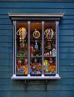 Fenster mit Spielzeug