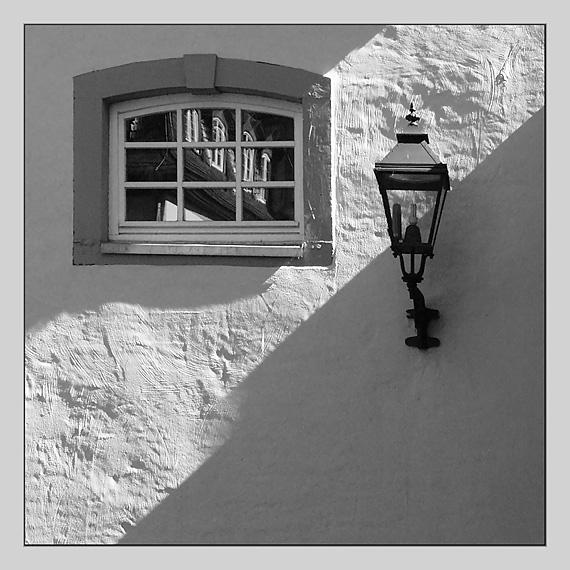 Fenster und Laterne...