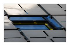 Fenster und Metallfassade