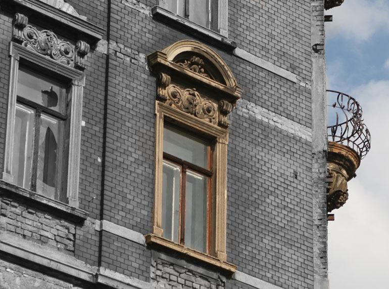 Fenster zum Hof - schief oder gerade?