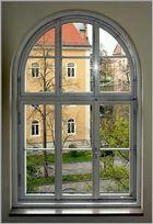 Fenster zur Strasse ....