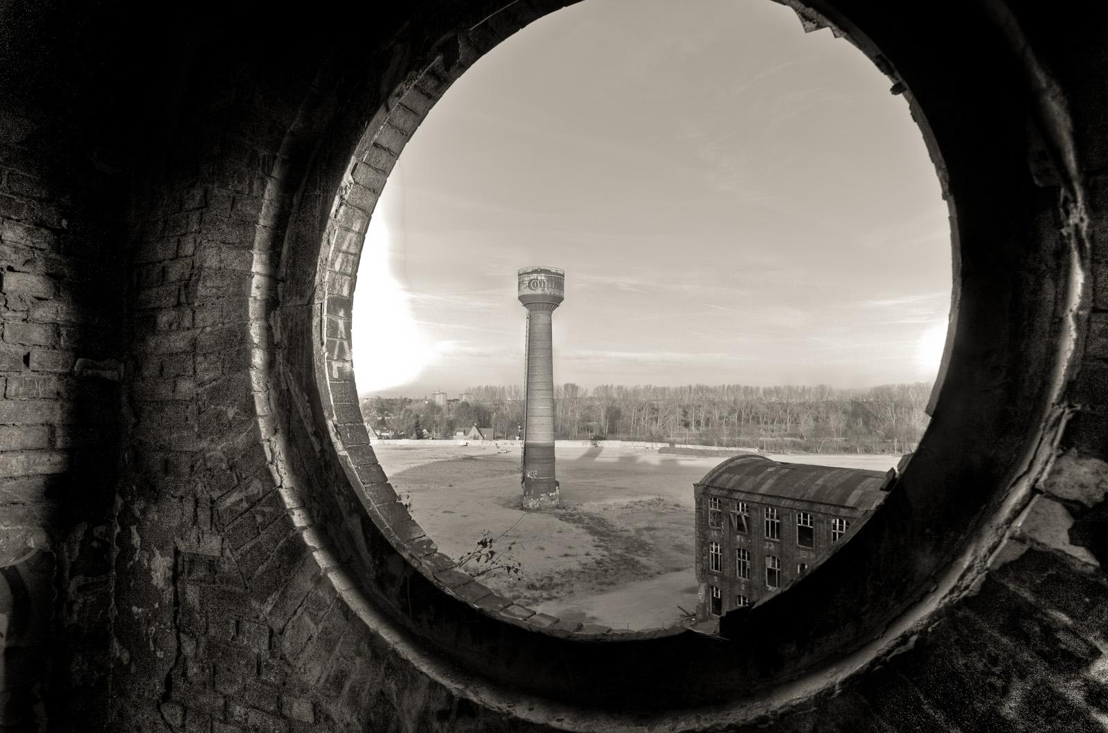 Fensterblick zum Contiturm, altes Conti Gelände