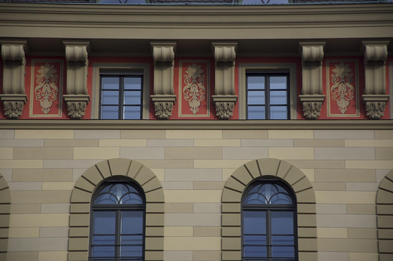 Fensterfront in der Nähe von Skt. Ludwig