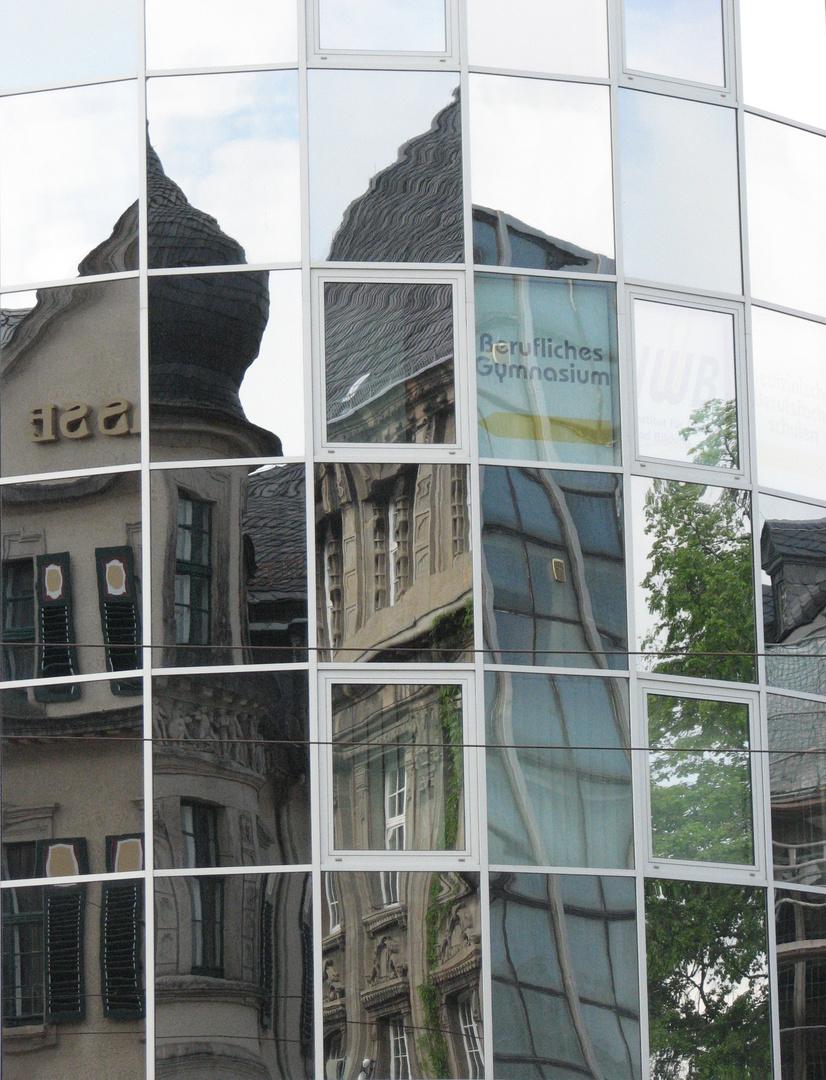 Fensterfront in Plauen