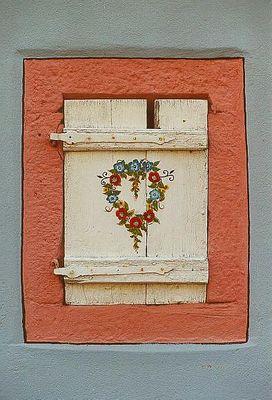 Fensterladen in Wissembourg / Elsaß