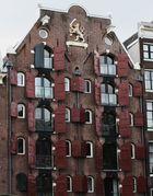 Fensterläden an Amsterdamer Haus
