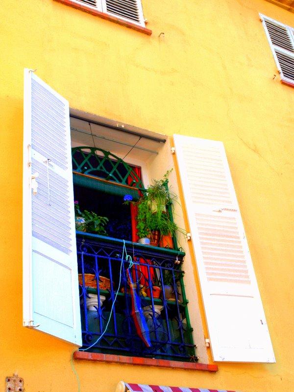fenêtre a Fréjus