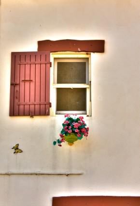 fenêtre aux Saintes-Maries