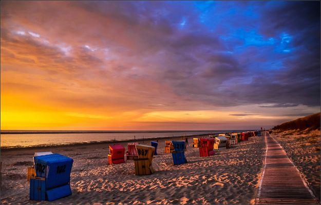 Strandkorb Sonnenuntergang sdatec.com