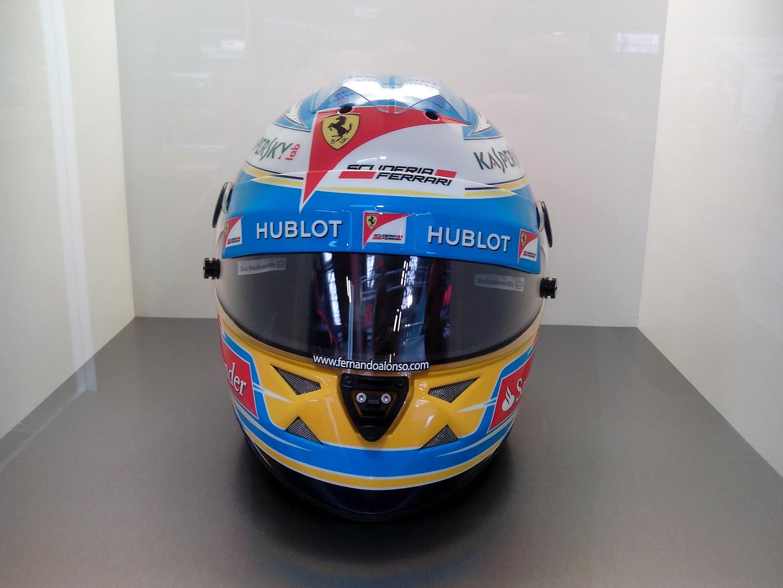 Fernando Alonso (Helm)