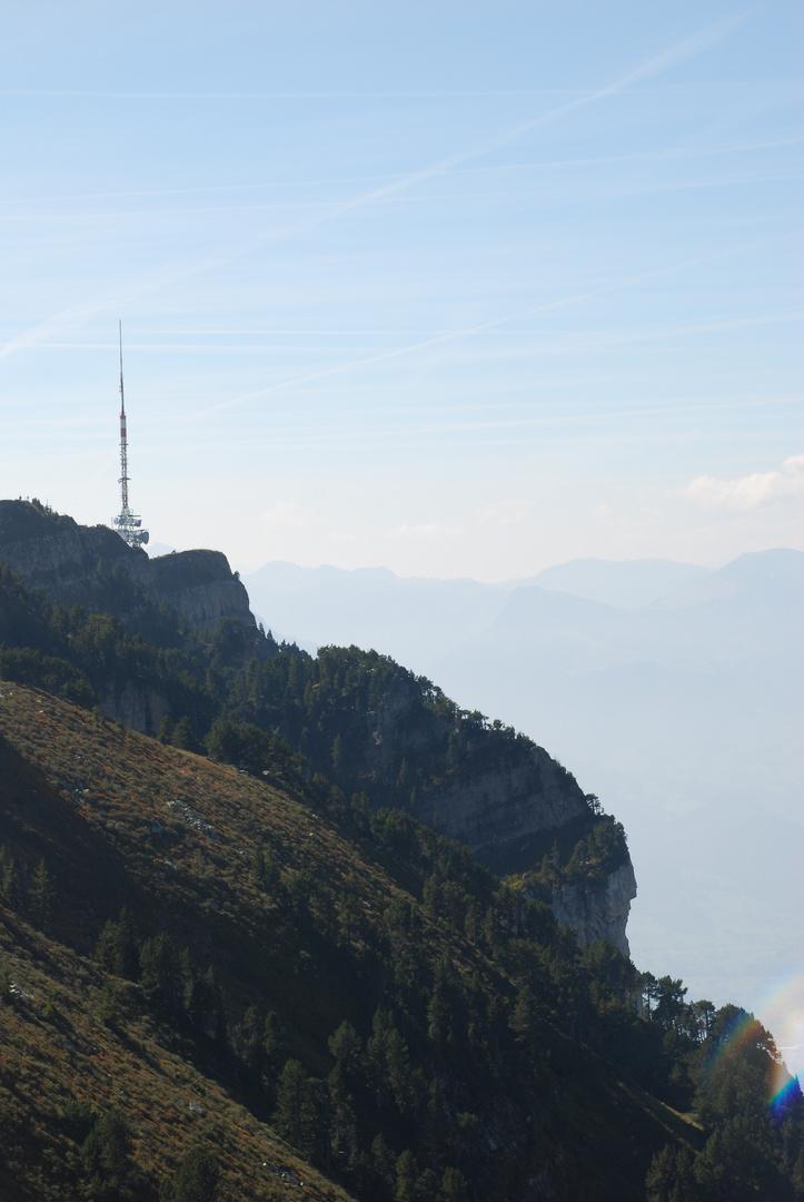 Fernblick auf's Niederhorn im Berner Oberland