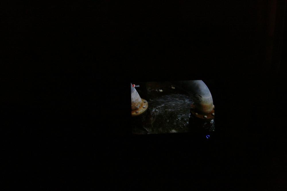 Fernseh im Dunkeln