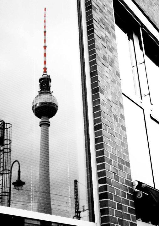Fernsehturm Berlin im Schaufenster
