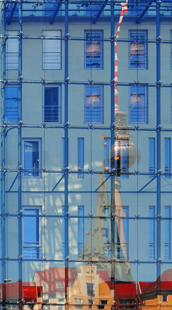 Fernsehturm Im Spiegel