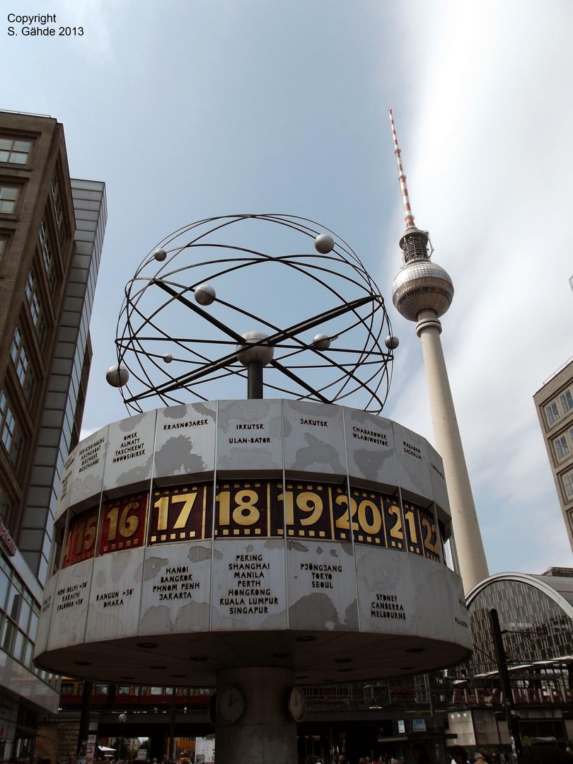 Fernsehturm und Weltzeituhr