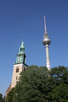 Fernsehturms mit Kirche