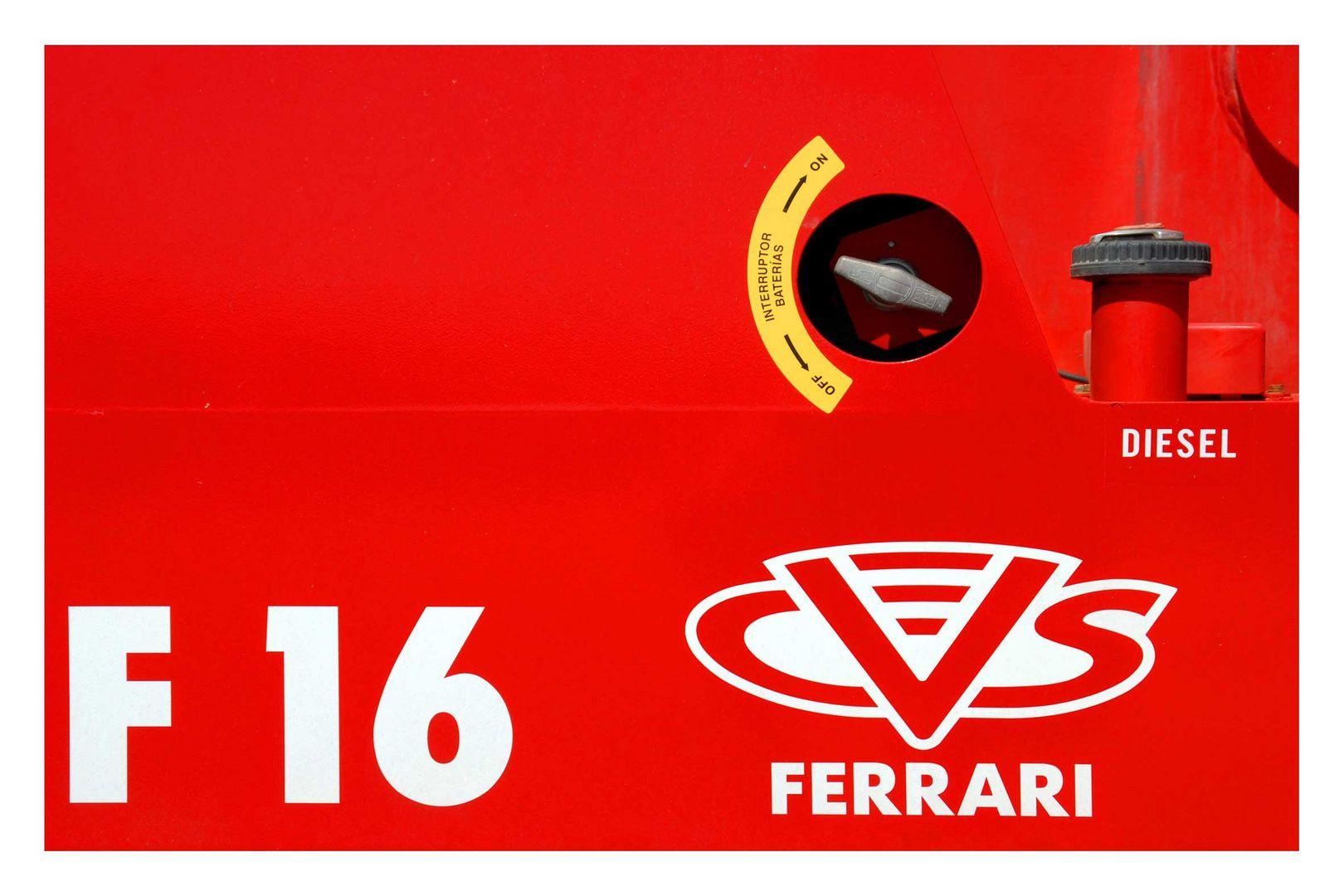 Ferrari F 16 Diesel ??? ..... Stapler