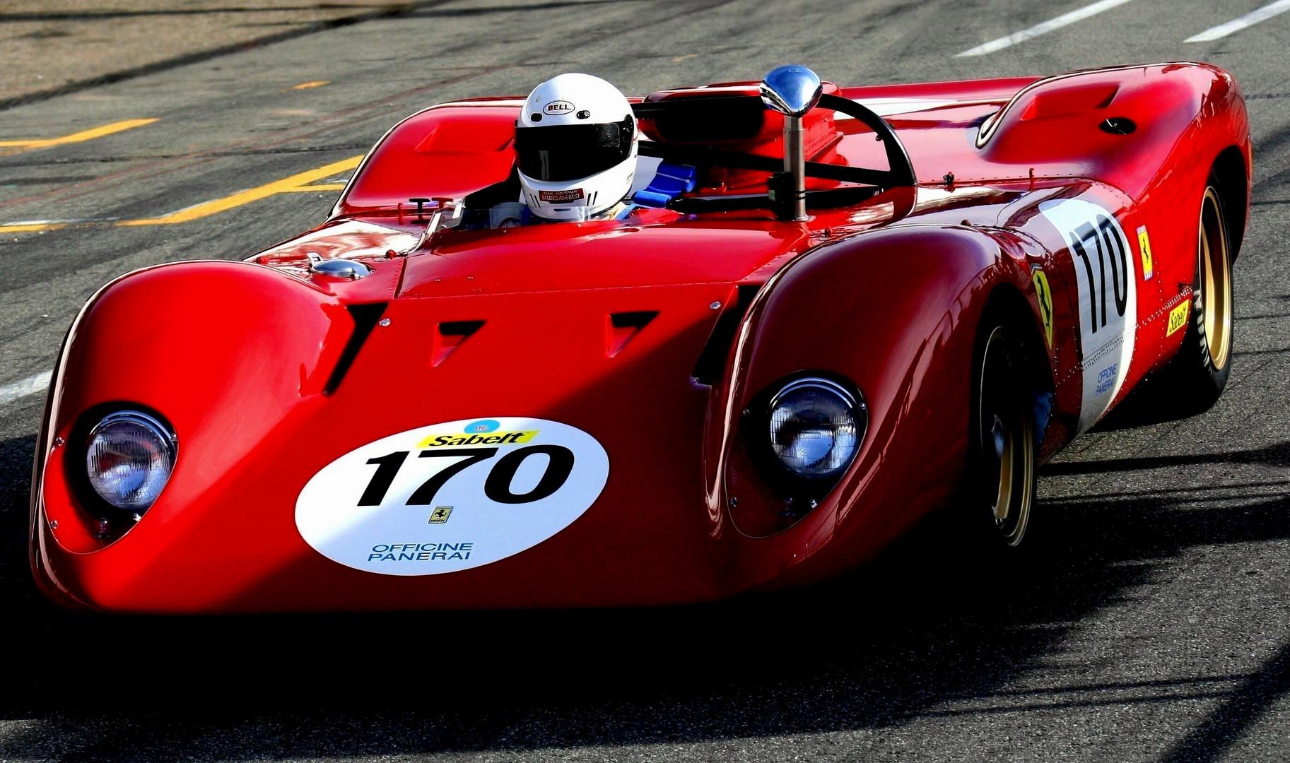 Ferrari im Schatten