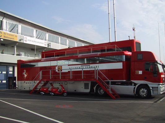 Ferrari Renntruck
