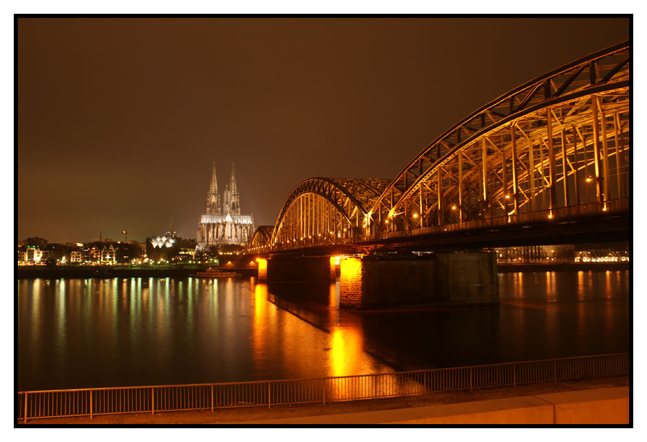"""Festbeleuchtung"" in Köln"