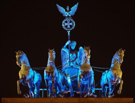 Festival of Lights in Berlin - Die blaue Quadriga