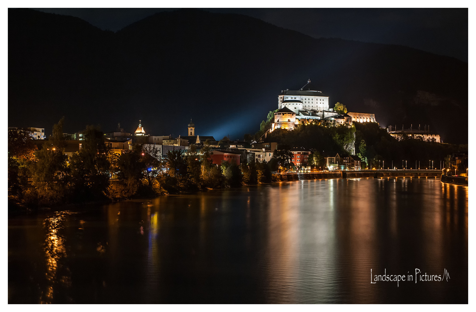 Festung Kufstein at Night