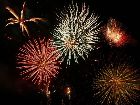 Feu d'artifice 6  --  Petit bouquet  --  Feuerwerk 6
