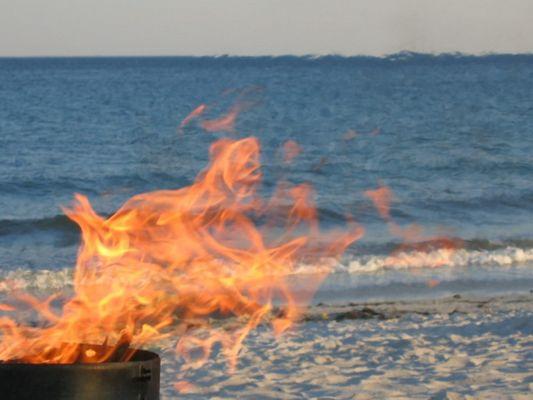 feu sur la plage
