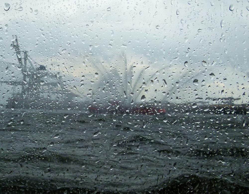 Feuchte Begrüssung der Schiffe :-))))