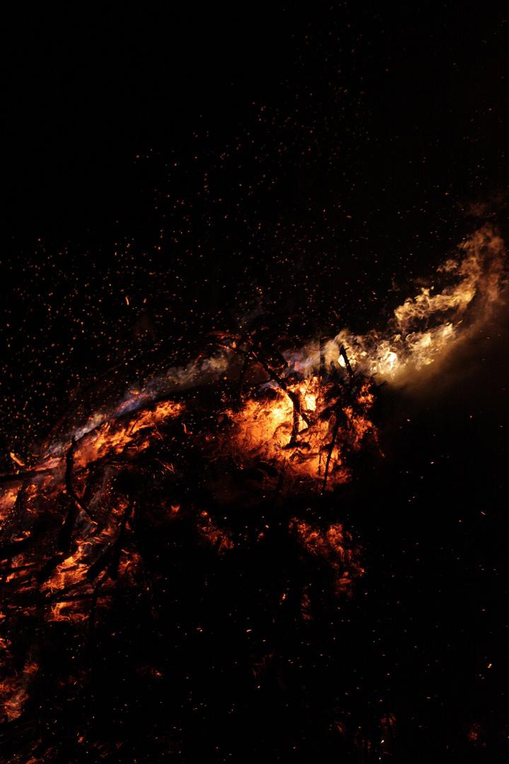 Feuer 2