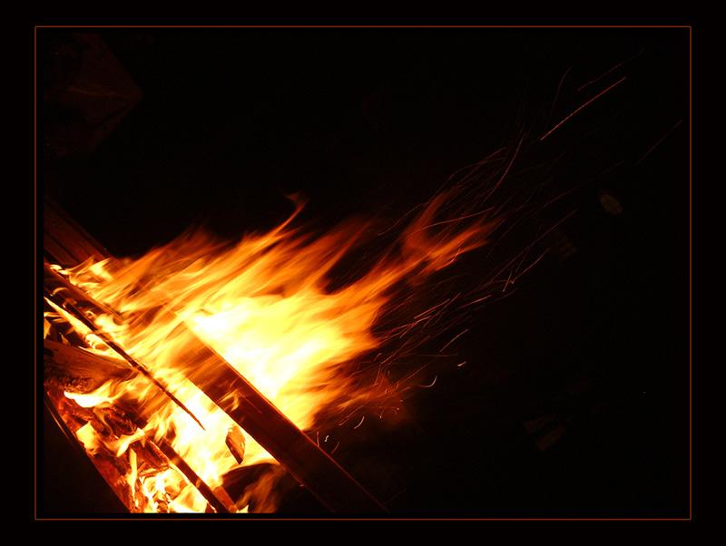 """ Feuer & Flamme """